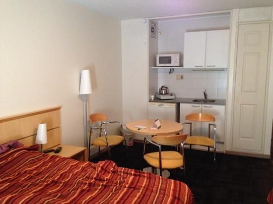 Punta Trouville Hotel : quarto com mini cozinha