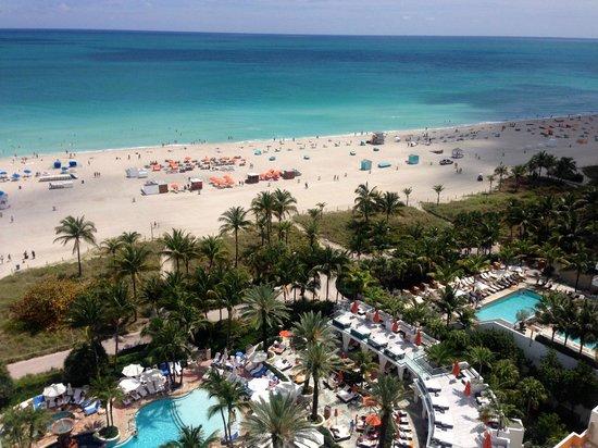 Loews Miami Beach Hotel : Beautiful ocean and pool views