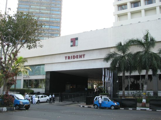 Trident, Nariman Point: Entrance to the Trident