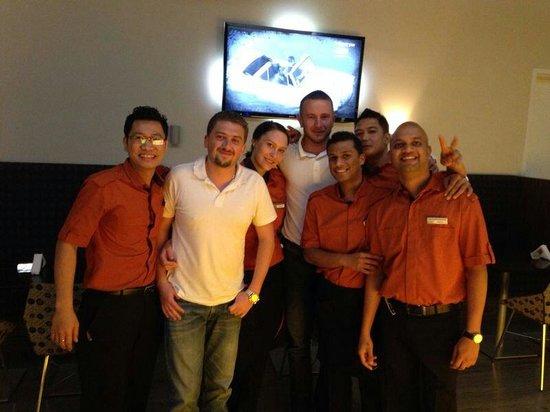 Novotel Abu Dhabi Al Bustan: Merci a iswan anastasia sahadev melbin et mahesh les barmans du Amber pour les soirees passees e