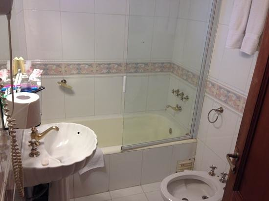 Salles Hotel : banheiro