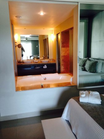 Secrets Silversands Riviera Cancun: Bathroom can be open concept or closed