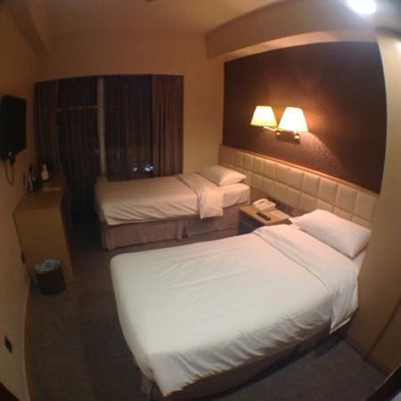 H1 Hotel : twin room