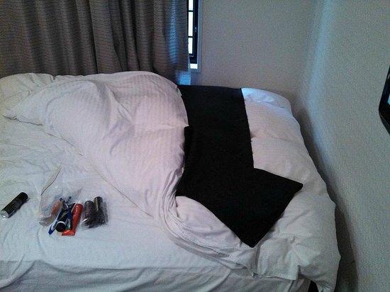 APA Hotel Namba Shinsaibashi: bed