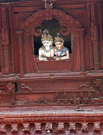 Place Durbar à Katmandou : Detail on facade of temple in Durbar Square