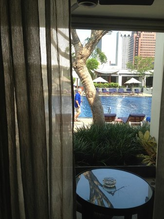 Singapore Marriott Tang Plaza Hotel: View from our Pool Terrace Room