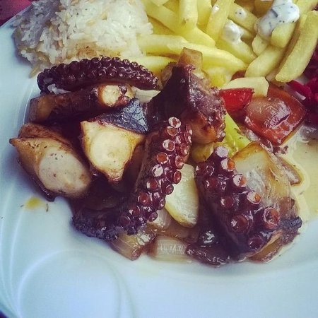 Iskele Sofrasi: Grilled octopus