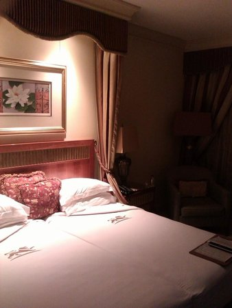 Peermont D'oreale Grande at Emperors Palace: nice rooms