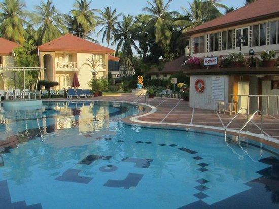 Radhika Beach Resort: la piscina