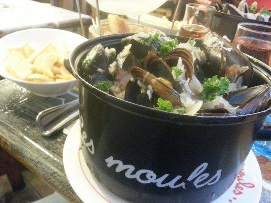 A la Peche aux Moules: Moules marinières et frites
