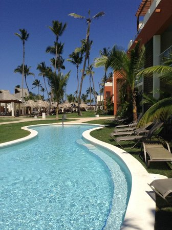 Breathless Punta Cana Resort & Spa : Outside our swim up room.