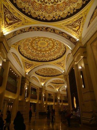 Vatican Palace Sacred Site: 梵宮一隅