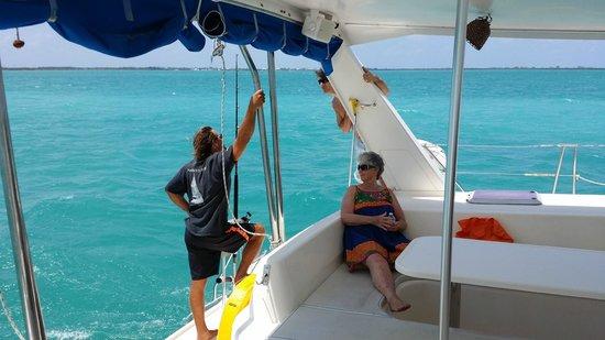 Mainstay Sailing: boat