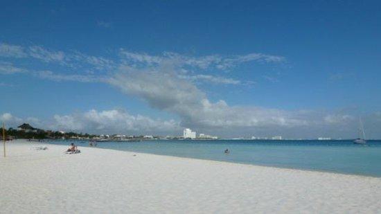 Beachscape Kin Ha Villas & Suites: View looking NW