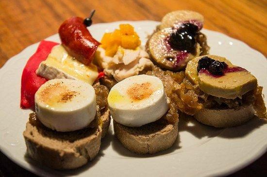 Devour Madrid Food Tours: tapas!