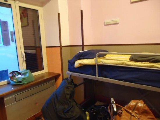 Alessandro Palace Hostel : hab compartida de 6