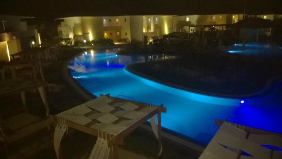 Paradisus Princesa del Mar Resort & Spa: vista nocturna de piscina