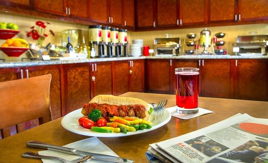 TownePlace Suites Baltimore BWI Airport : Evening Social Monday, Tuesday and Wednesday 6-7 p.m.
