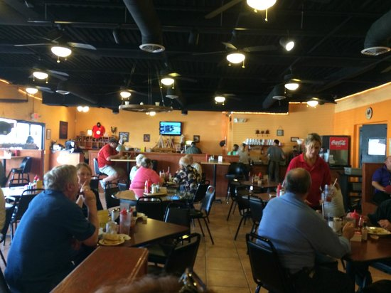Dixie Belles Cafe: Country atmosphere