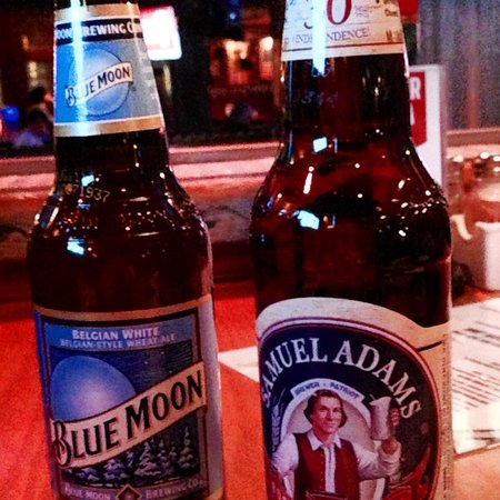 House of Blues Chicago: Cervezas Blue Moon & Sam Adams