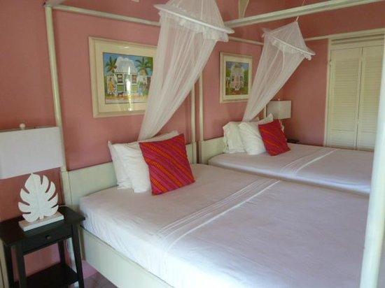 Sugarapple Inn : Pink Room