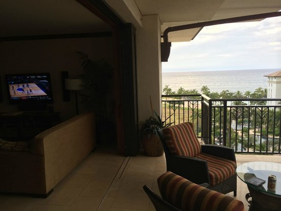 Beach Villas at Ko Olina: Room