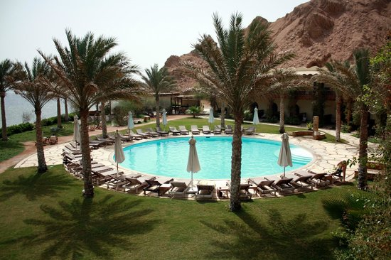 Dahab Paradise: Hotel pool, taken from our balcony.
