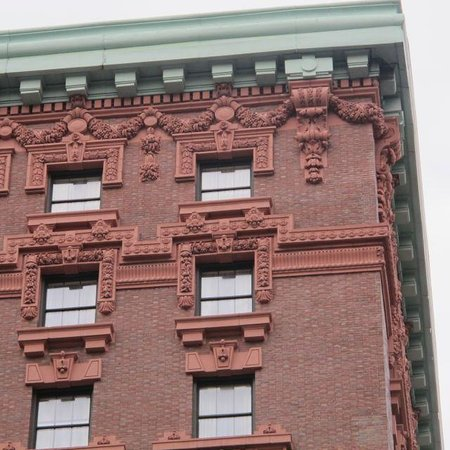 The Lucerne Hotel : Architectural detail