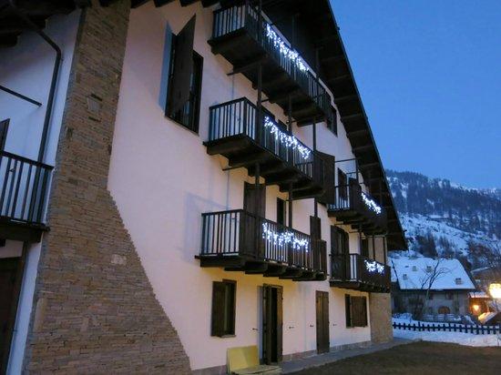 Hotel Cima del Bosco : la facciata dell'hotel