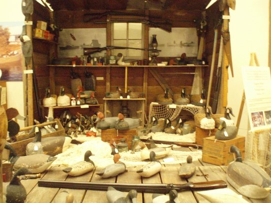 Core Sound Waterfowl Museum & Heritage Center: Decoy Display