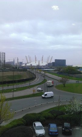 Holiday Inn Express London - Greenwich: View of the O2 from the 3rd floor corridor by the lift