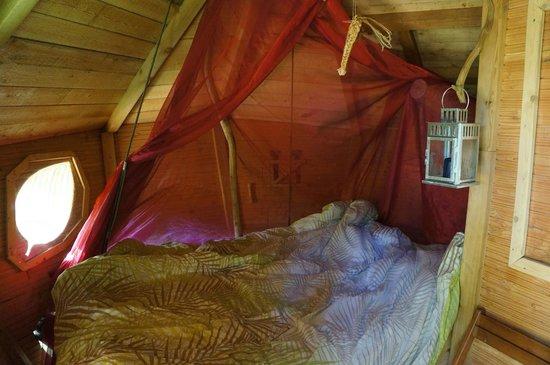 Les Cabanes de Fontaine: La chambre