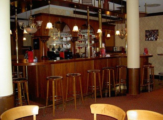 Harzer Kultur- & Kongresshotel Wernigerode: Smoking bar