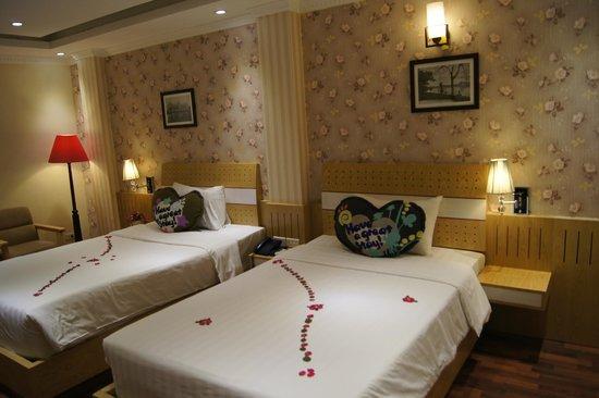 Hanoi Guest House: deluxe double room