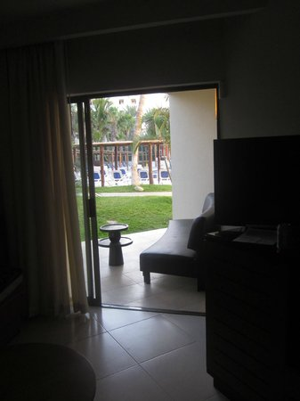 Royal Decameron Los Cabos: Looking out from room