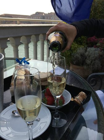 The Westin Europa & Regina, Venice: Enjoying champagne and treats on our private terrace