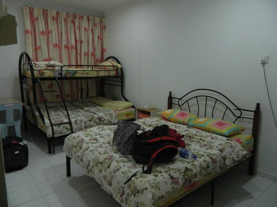 Lee Guesthouse: Big room for families, A/C