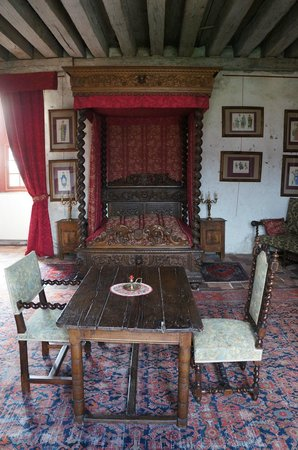 chambre au lit a baldaquin photo de ch teau de ch mery ch mery tripadvisor. Black Bedroom Furniture Sets. Home Design Ideas