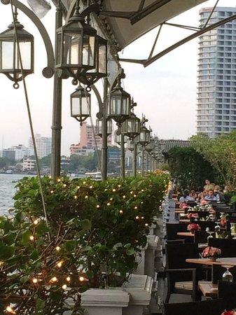 Mandarin Oriental, Bangkok: Grill Restaurant & Breakfast at the River