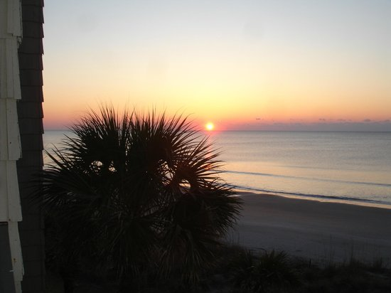 Oceanfront Litchfield Inn: Sunrise from Room 330!