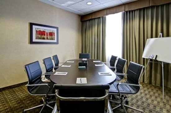 Best Western Plus Fergus Hotel: Audio/Visual capabilities & catering are available to make your meeting successful.