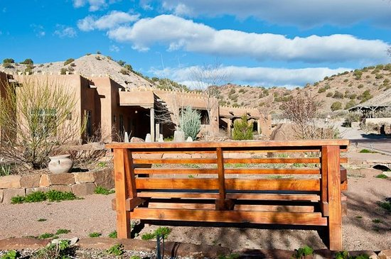 Ojo Caliente Mineral Springs Resort and Spa: The entrance to Ojo Caliente
