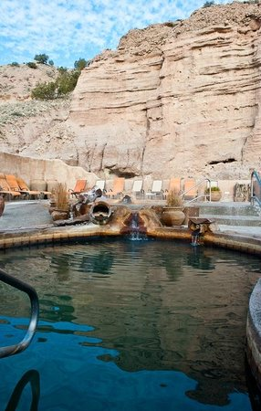 Ojo Caliente Mineral Springs Resort and Spa: The cliffside pools