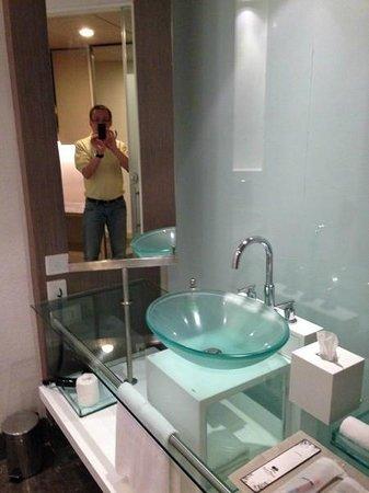 Park Plaza Bengaluru: Bathroom
