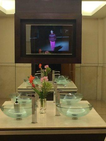 Cleopatra Luxury Resort Sharm El Sheikh : lobby toliet