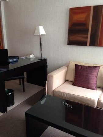 K West Hotel & Spa: lounge are in executive room