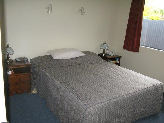 Centre Court Motel: Bedroom