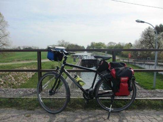 Chez Dany: Am Canal Rhone-au-Rhin, den ich von Strasbourg bis Marckolsheim gefahren bin