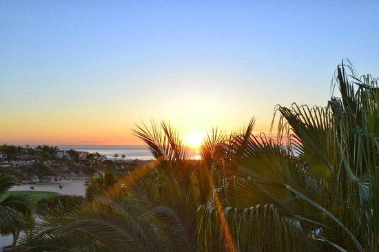 Sheraton Grand Los Cabos Hacienda del Mar : the sunrise view from my balcony.