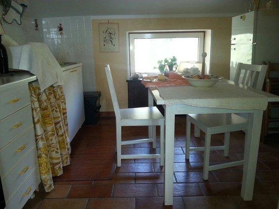 L'Uliveto: La cucinetta della mansarda